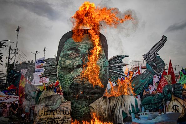 Ezra Acayan「Filipinos Rally During Duterte's State of the Nation Address」:写真・画像(1)[壁紙.com]