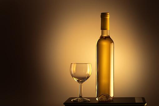 Wine Bottle「Bottle of white wine and a wine glass」:スマホ壁紙(4)