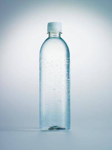 Drinking Water「Bottle of water」:スマホ壁紙(1)