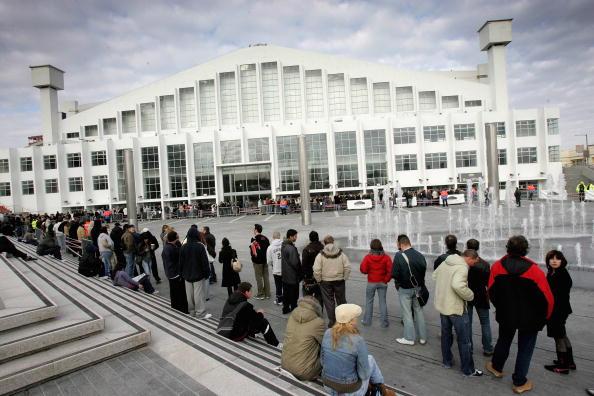 ウェンブリーアリーナ「Madonna Tickets Go On Sale At Wembley」:写真・画像(0)[壁紙.com]