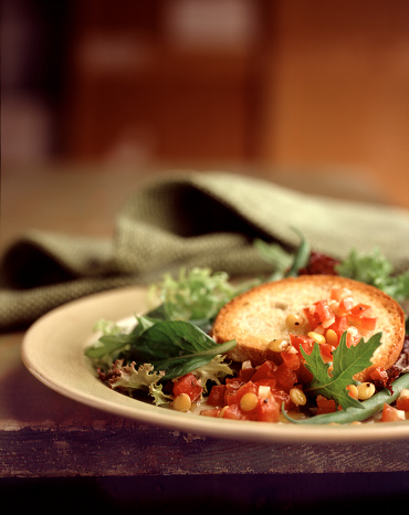 Vinaigrette Dressing「Salad with greens, tomato,corn and  crouton with vinagrette」:スマホ壁紙(0)