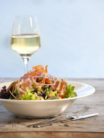 Salad「salad with smoked salmon on lollo bionda lettuce XXXL image」:スマホ壁紙(15)