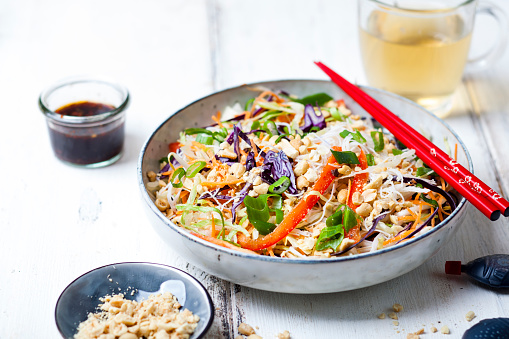 Soy Sauce「Salad with glas noodles, cabbage, carrots, bell peppers, spring onions, peanuts and hot thai dressing」:スマホ壁紙(11)