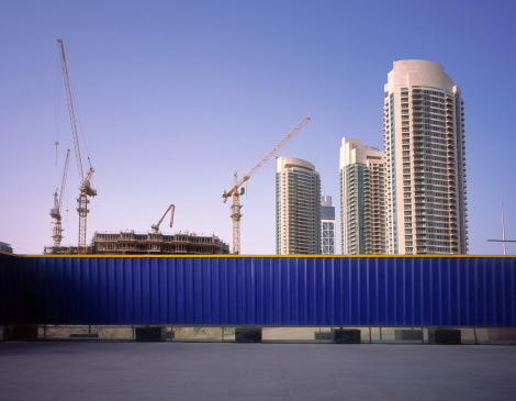 Protection「Blue fence protecting construction site in Dubai」:スマホ壁紙(19)