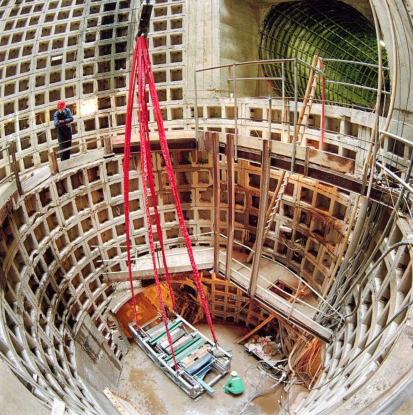 2002「Segmental lined shaft during refurbishment of Angel Underground station. London, United Kingdom.」:写真・画像(14)[壁紙.com]
