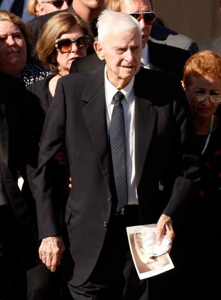 Farrah Fawcett「Farrah Fawcett Funeral Service」:写真・画像(14)[壁紙.com]