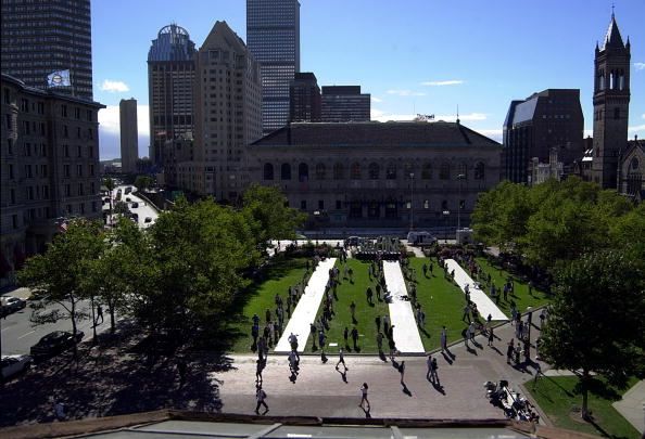 Paying「A Day of Remembering On Copley Square 」:写真・画像(15)[壁紙.com]