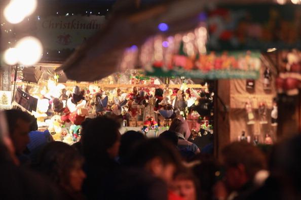 Christmas Decoration「Munich Christmas Market Is Bavaria's Oldest」:写真・画像(0)[壁紙.com]