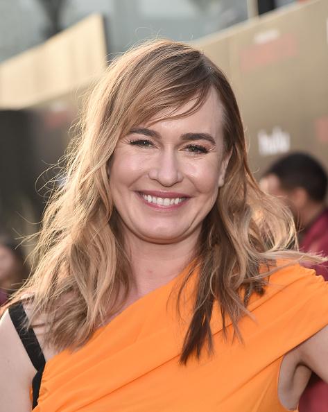 封切り「Premiere Of Hulu's 'The Handmaid's Tale' Season 2 - Red Carpet」:写真・画像(3)[壁紙.com]