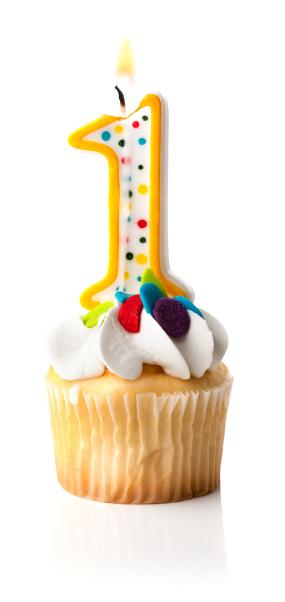記念日「ナンバー 1 のキャンドルとカップケーキ」:スマホ壁紙(17)