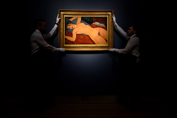 Two People「Preview Of Christie's Impressionist, Modern, Post-war And Contemporary Art Sales」:写真・画像(16)[壁紙.com]