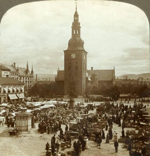 "The ""Great Market"" Around Statue Christian Iv:ニュース(壁紙.com)"