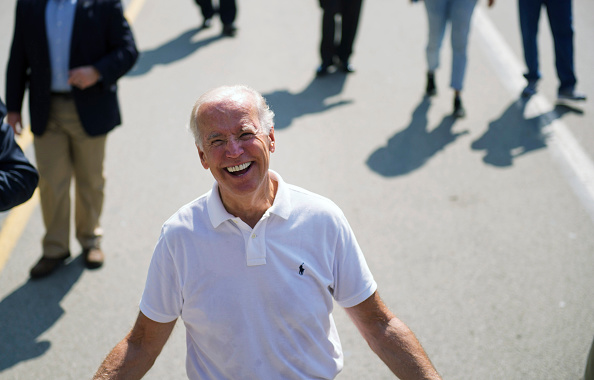 Smiling「Joe Biden attends Allegheny County Labor Day Parade」:写真・画像(7)[壁紙.com]