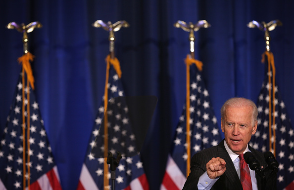 Middle East「Vice President Biden Discusses U.S. Policy In Iraq At National Defense」:写真・画像(11)[壁紙.com]