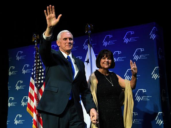 Wife「Mike Pence Addresses Republican Jewish Coalition Meeting In Las Vegas」:写真・画像(18)[壁紙.com]