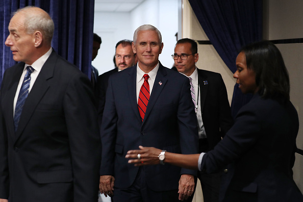 Florida International University「Vice President Pence Speaks At Conference On Prosperity And Security In Central America」:写真・画像(7)[壁紙.com]