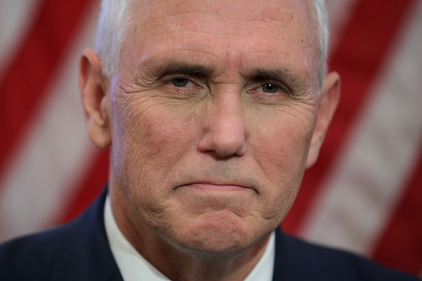 Mike Pence「Nancy Pelosi Meets With Vice President-Elect Mike Pence At The Capitol」:写真・画像(10)[壁紙.com]
