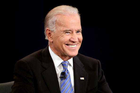 Smiling「2012 Vice Presidential Debate」:写真・画像(13)[壁紙.com]