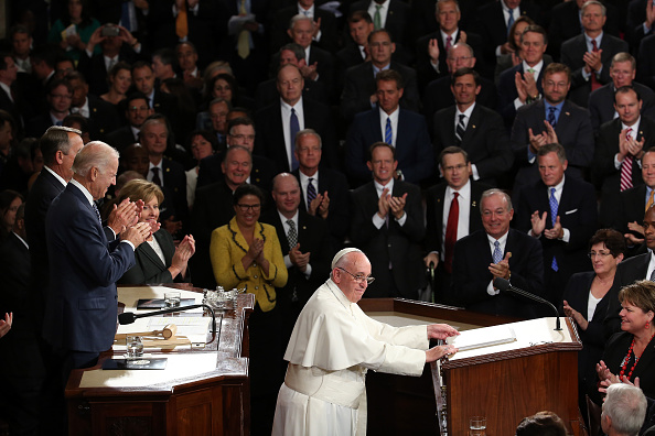 Catholicism「Pope Francis Addresses Joint Meeting Of U.S. Congress」:写真・画像(18)[壁紙.com]