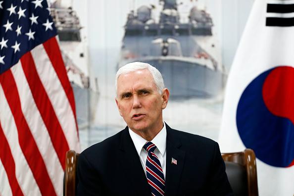 Mike Pence「U.S. Vice President Mike Pence Visits South Korea - Day 2」:写真・画像(8)[壁紙.com]