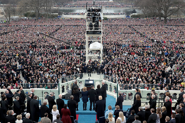 Bible「Donald Trump Is Sworn In As 45th President Of The United States」:写真・画像(11)[壁紙.com]