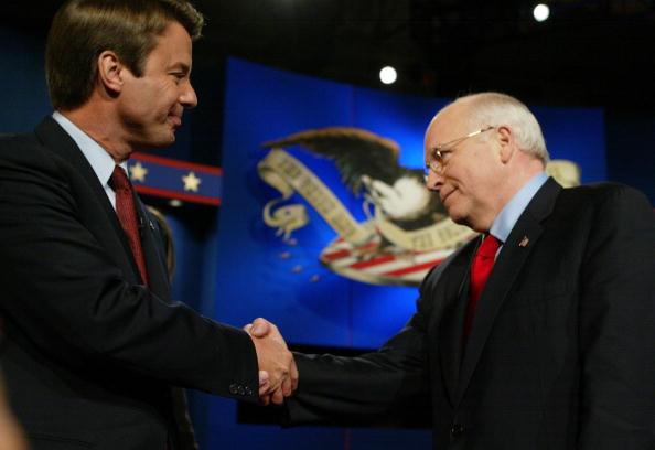 Alex Wong「Cheney, Edwards Square Off In VP Debate」:写真・画像(18)[壁紙.com]