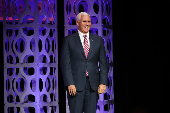 Smiling「Vice President Mike Pence Speaks At Access Intelligence Conference」:写真・画像(0)[壁紙.com]
