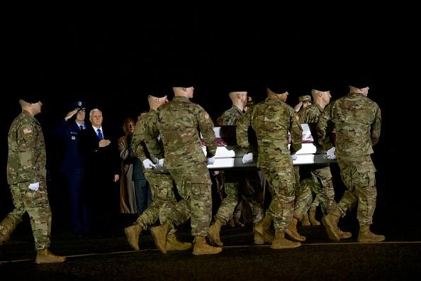 Dover - Delaware「Dignified Transfer Held For Soldier Killed In Roadside Bombing In Afghanistan」:写真・画像(6)[壁紙.com]