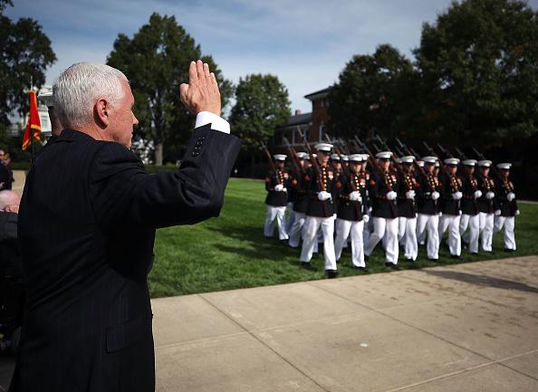 政治と行政「VP Pence Commemorates Anniversary Of 1983 Bombing Of U.S. Marine Barracks」:写真・画像(4)[壁紙.com]
