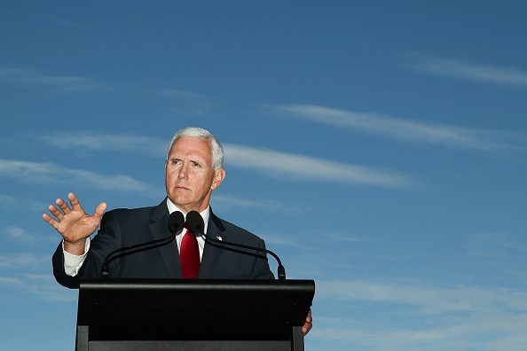 Mike Pence「US Vice President Mike Pence Visits Sydney - Day 1」:写真・画像(15)[壁紙.com]