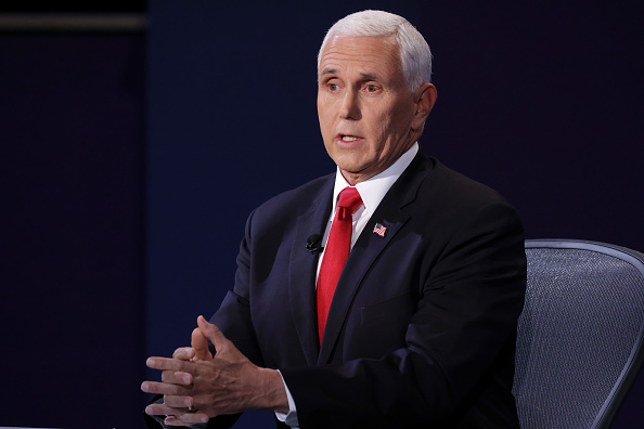 Mike Pence「Mike Pence And Kamala Harris Take Part In Vice Presidential Debate」:写真・画像(12)[壁紙.com]