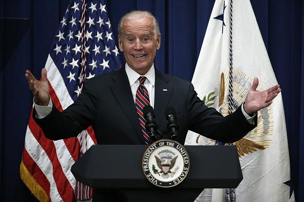 Smiling「Joe Biden Addresses White Summit on Climate Change And Business」:写真・画像(14)[壁紙.com]