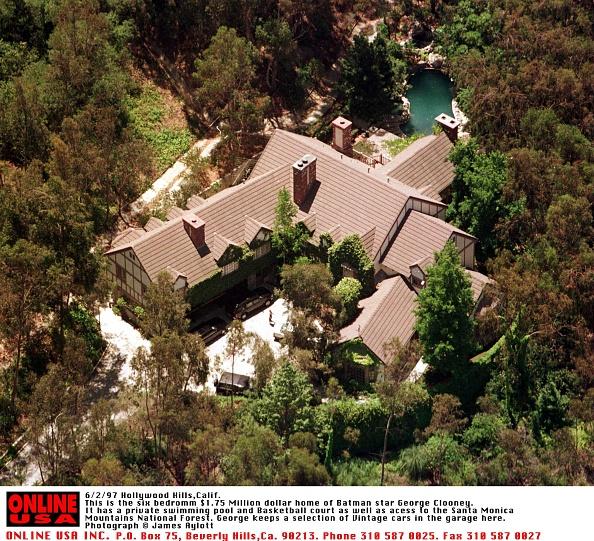 Santa Monica Mountains「6/2/97 Hollywood Hills, Calif This is the 6 Bedroom $1.75 Million Dollar Home of Batman Star George 」:写真・画像(14)[壁紙.com]