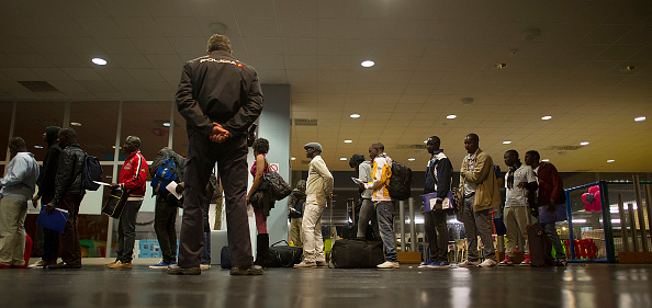 View Into Land「Migrants Seek Asylum In The Spanish Enclave Of Melilla In Northern Africa」:写真・画像(3)[壁紙.com]