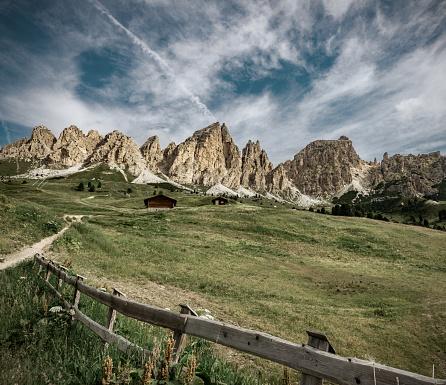 Val Gardena「Alpine landscape from South Tirol, Italy」:スマホ壁紙(9)