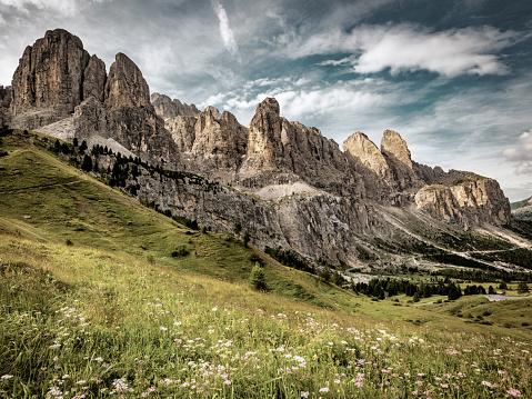 Val Gardena「Alpine landscape from South Tirol, Italy」:スマホ壁紙(12)