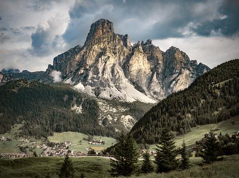 Val Gardena「Alpine landscape from South Tirol, Italy」:スマホ壁紙(19)