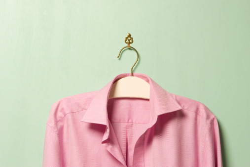 Coathanger「Pink shirt on hanger, close-up」:スマホ壁紙(14)