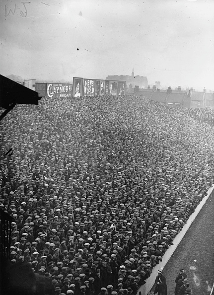 Stadium「Football Crowds」:写真・画像(2)[壁紙.com]