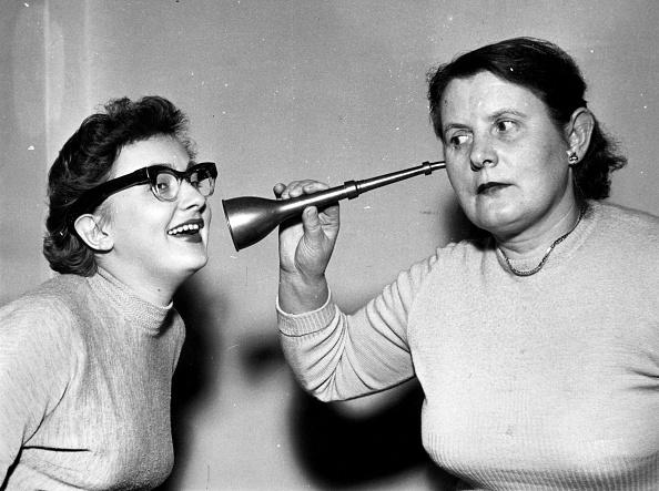 Humor「Two Deaf Women」:写真・画像(14)[壁紙.com]