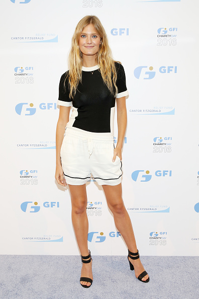 White Shorts「Annual Charity Day Hosted By Cantor Fitzgerald, BGC and GFI - GFI Office - Arrivals」:写真・画像(14)[壁紙.com]