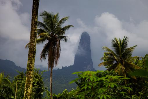 Volcanic Landscape「Sao Tomé and Principe, Sao Tomé island」:スマホ壁紙(14)