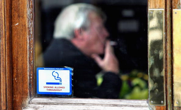Pub Food「Smoking Ban To Be Proposed For England」:写真・画像(1)[壁紙.com]