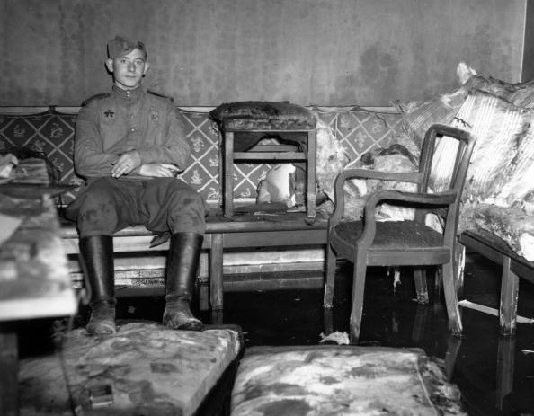 Russian Culture「Hitler's Sofa」:写真・画像(8)[壁紙.com]