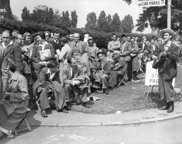 Waiting In Line「Wimbledon Busker」:写真・画像(5)[壁紙.com]