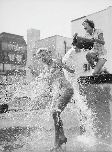 Summer「Cooling Off」:写真・画像(18)[壁紙.com]