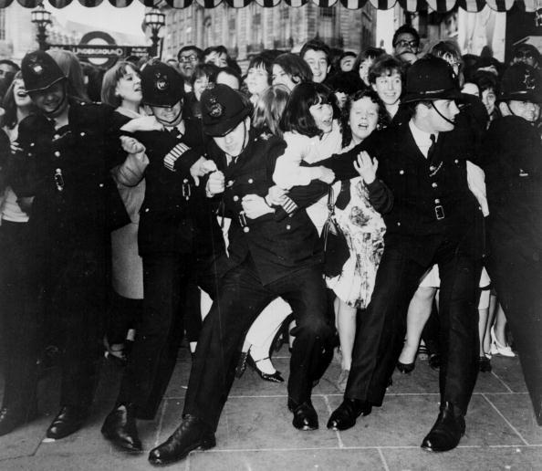Restraining「Beatle Film Fans」:写真・画像(1)[壁紙.com]