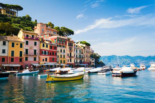 Unrecognizable Person「Portofino, Liguria, Italy」:スマホ壁紙(10)