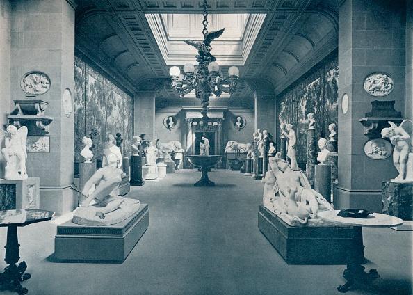 Art Museum「'Statuary Gallery, Chatsworth House', c1903」:写真・画像(13)[壁紙.com]