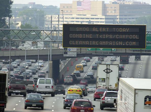 Traffic「First Code Red Smog Alert Of Season In Atlanta」:写真・画像(3)[壁紙.com]